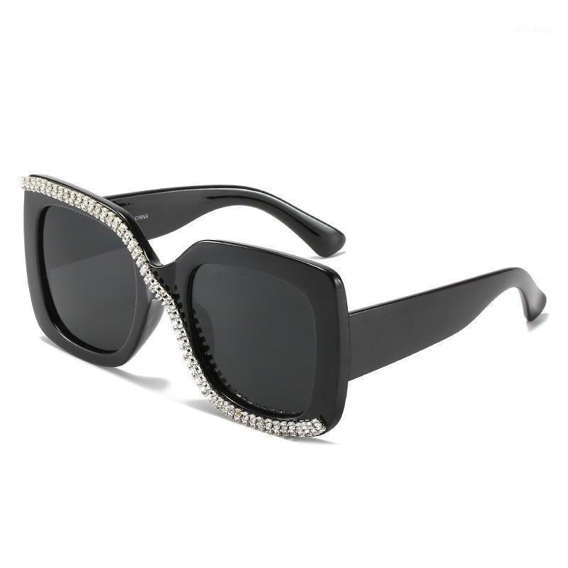 Солнцезащитные очки Teenynound 2021 Негабаритные квадратные Алмазные Женщины Мода UV400 Ретро Дамы Солнцезащитные Очки S Форма Eyewear1