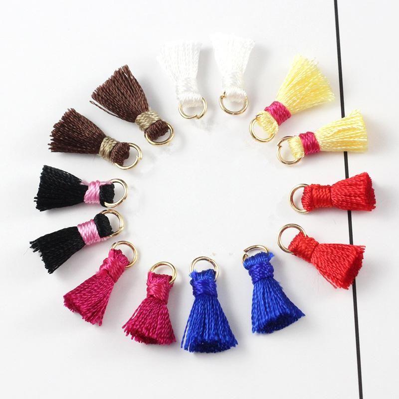 30pcs 1,2 cm Mini Silk Tassel Pendentif pour bijoux Fabriquer Bracelet DIY Bracelet Pendentif Pendentif Celler Clean Sac Pendentif Craft Tassels H Jllbcl