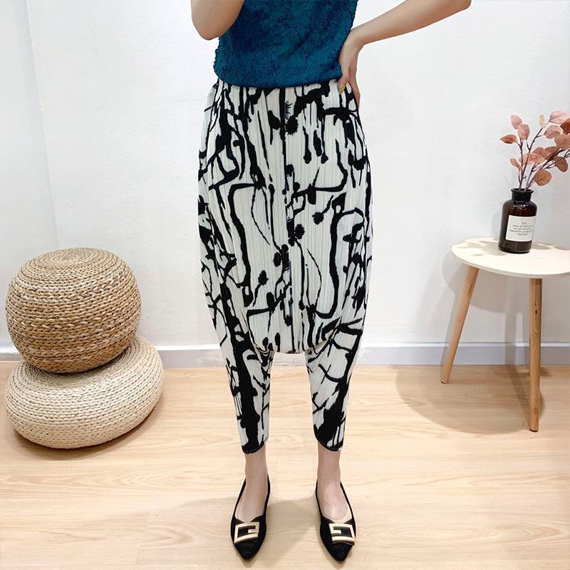 Calças folhadas do estilo solto das mulheres do estilo largo das mulheres no outono 20201