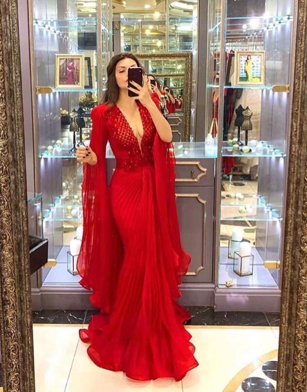 2021 Deep V cou Mermaid Pal Robes de bal rouge avec manches Tulle Plus Taille Robes de soirée officielles Longues occasions spéciales Robes de fête