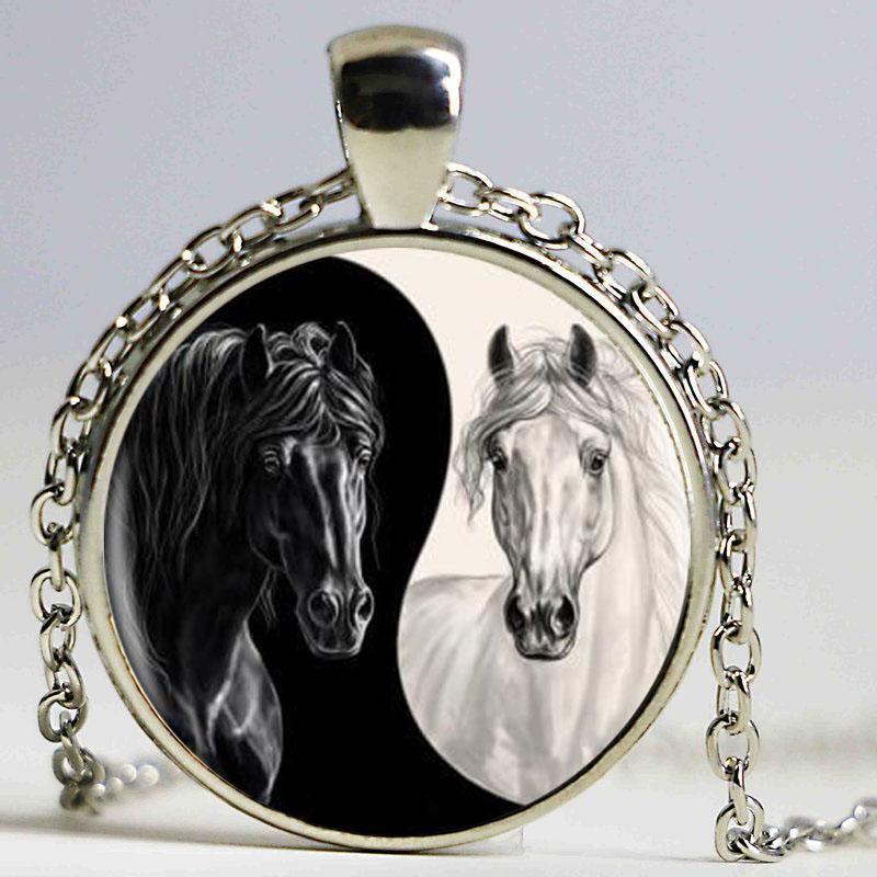 Yin Yang Cavallo Logo 2 Stili Ciondolo Colore Argento Collana lunga Chian Normativa collana fatta a mano per le donne