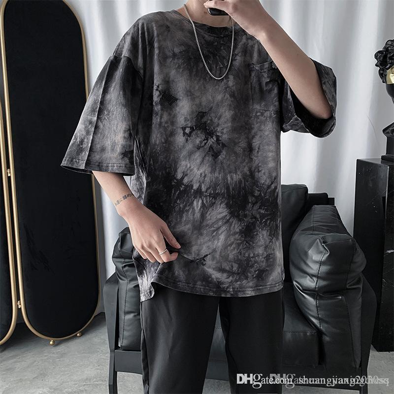La mitad de la manga de la camiseta de los hombres y de las mujeres de la moda coreana versión libre de verano ins superiores atar-teñidas amantes gradual de la marca Tide mangas cortas japoneses
