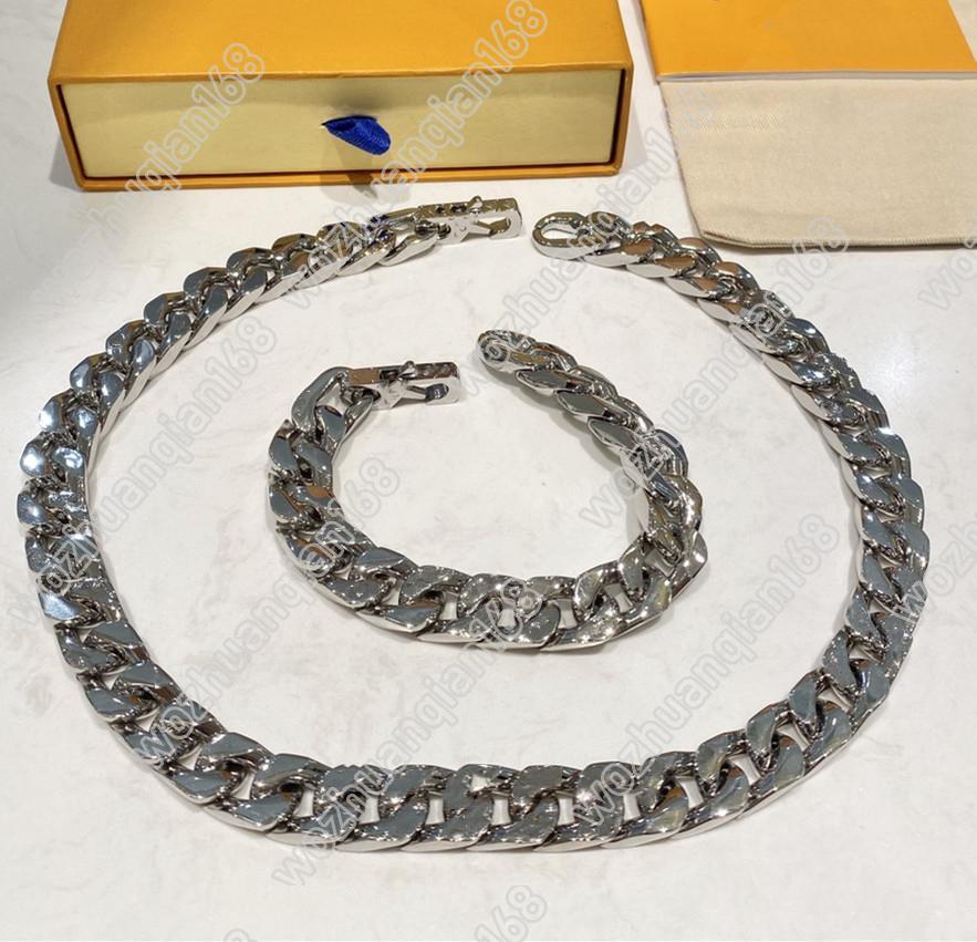 Nuevo diseño Collar de plata Pulsera de plata para hombre Cadena pulida que hace collar Collar de acero de titanio de alta calidad Caja de suministro