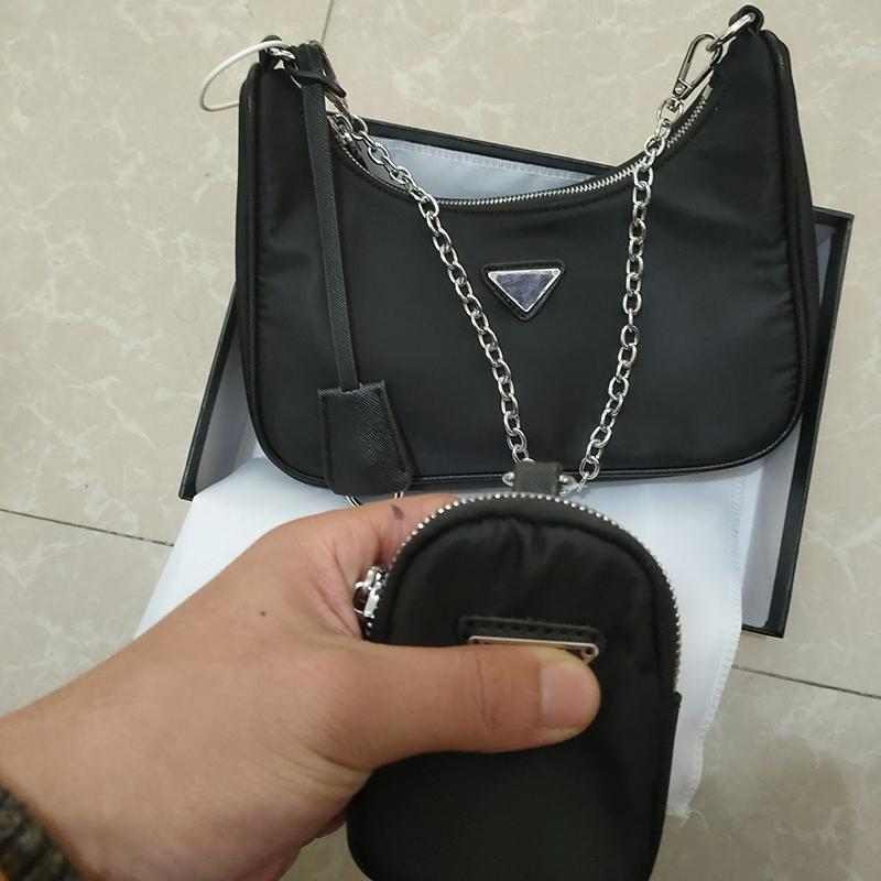 Nouveaux sacs à bandoulière sacs à main Haute qualité Bandbody sac décoration en forme de cœur bâche bâche en nylon sac en gros sac shopping
