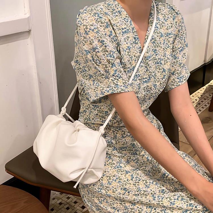 HBP messenger bag handbag handbag new designer bag high quality texture fashion fashion shoulder bag thick chain Pleated Comfortable