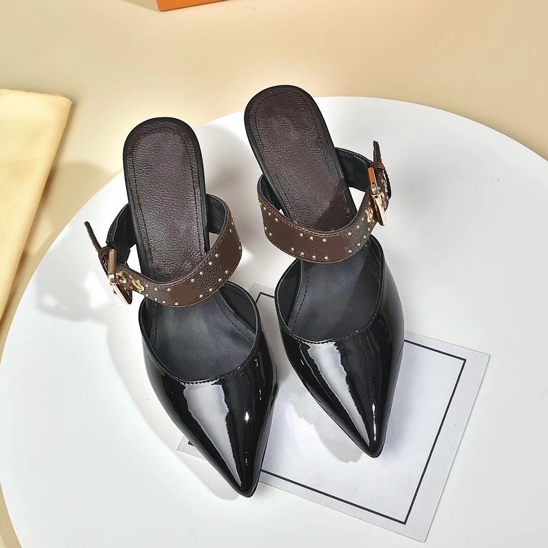 Designer di lusso di alta qualità in cuoio scarpe con tacco alto donna donne lettere uniche sandali vestito vestito sexy vestito scarpe da bagno lrthgbg