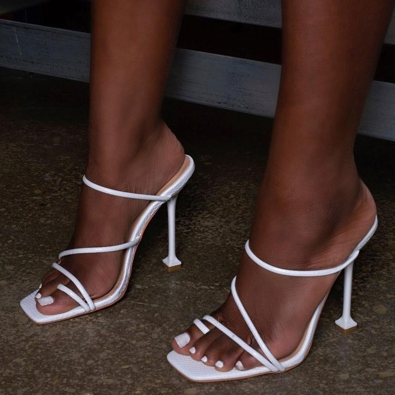 Pzilae Nuevos Summer Women Slippers Talón alto Tobides Toe Plaza de punta fina tacón de tacón de fiesta Vacaciones Flip Flaops Mujer Shoes Y200423