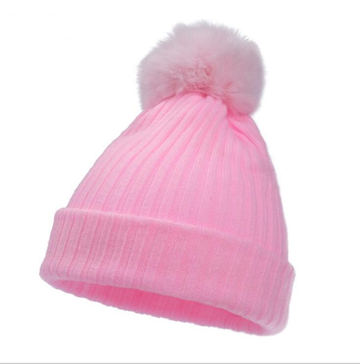 Vente chaude Nouveau bébé casquette de pneu chapeau tricoté 0-3 mois nouveau-né mignon chapeau boule de poils