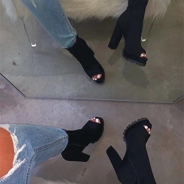 2020 Mulheres Transparente Sandálias das senhoras do salto alto Toes Chinelos Doce Cor Abertas Grosso salto Sapatos femininos Slides Verão 1010