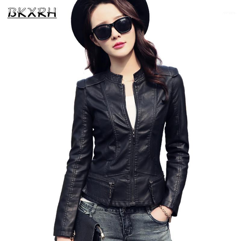 Cappotto in pelle primavera Donne 2017 New Fashion Giacca in pelle Giacca da donna Breve sottile abbigliamento moto Slim Abbigliamento femminile Black1