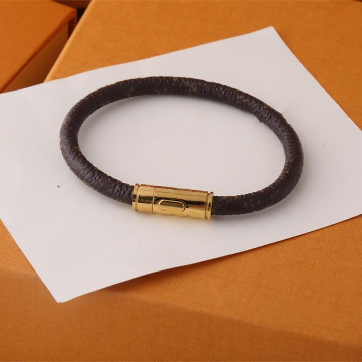 Vier Titan Stahl Leder Armband Paar Armbänder Mode Trend Brief Armbänder Hohe Qualität vergoldet Armbänder Schmuckversorgung