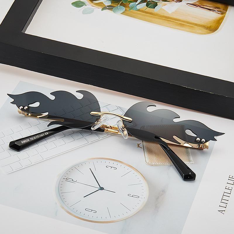 Moda chama óculos de sol enquadram óculos de sol mulheres sem aro onda de cor de metal retro pequeno uv4001 cupqe