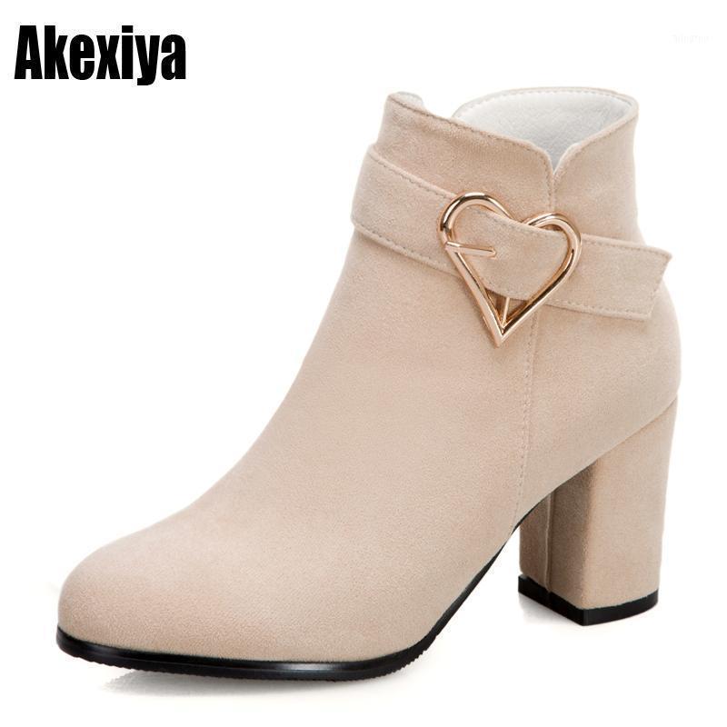 Cuir daim automne hiver simple femmes bottes rond bottes européennes chaussures chaussures élégantes talon hauteur chevreuil p1571