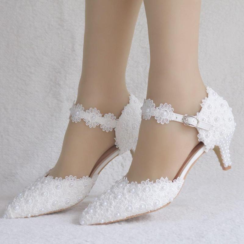 2021 الصيف 5 سنتيمتر الدانتيل الأبيض أشار الصنادل منخفضة كعب كبير الحجم مأدبة اللباس المرأة أحذية واحدة أحذية الزفاف العروس