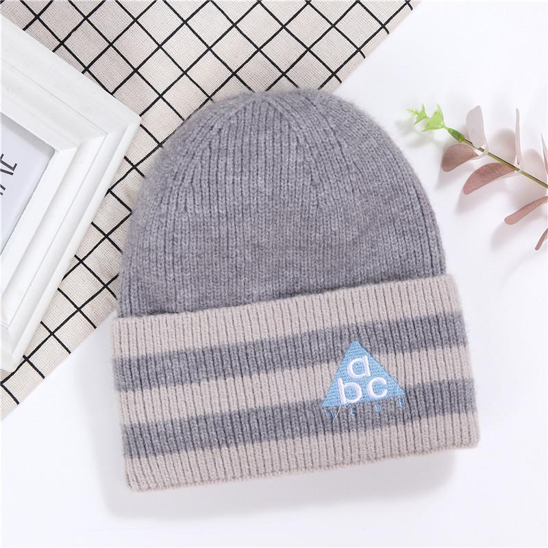 Knitted Hats Winter Hats For Woman Daisy Embroidered Warm Cuff Beanies