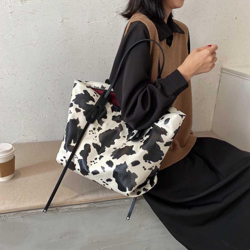 Trend Женская сумка мода 2020 Большая новая емкость Сумка на плечо Стиль PU женская рука