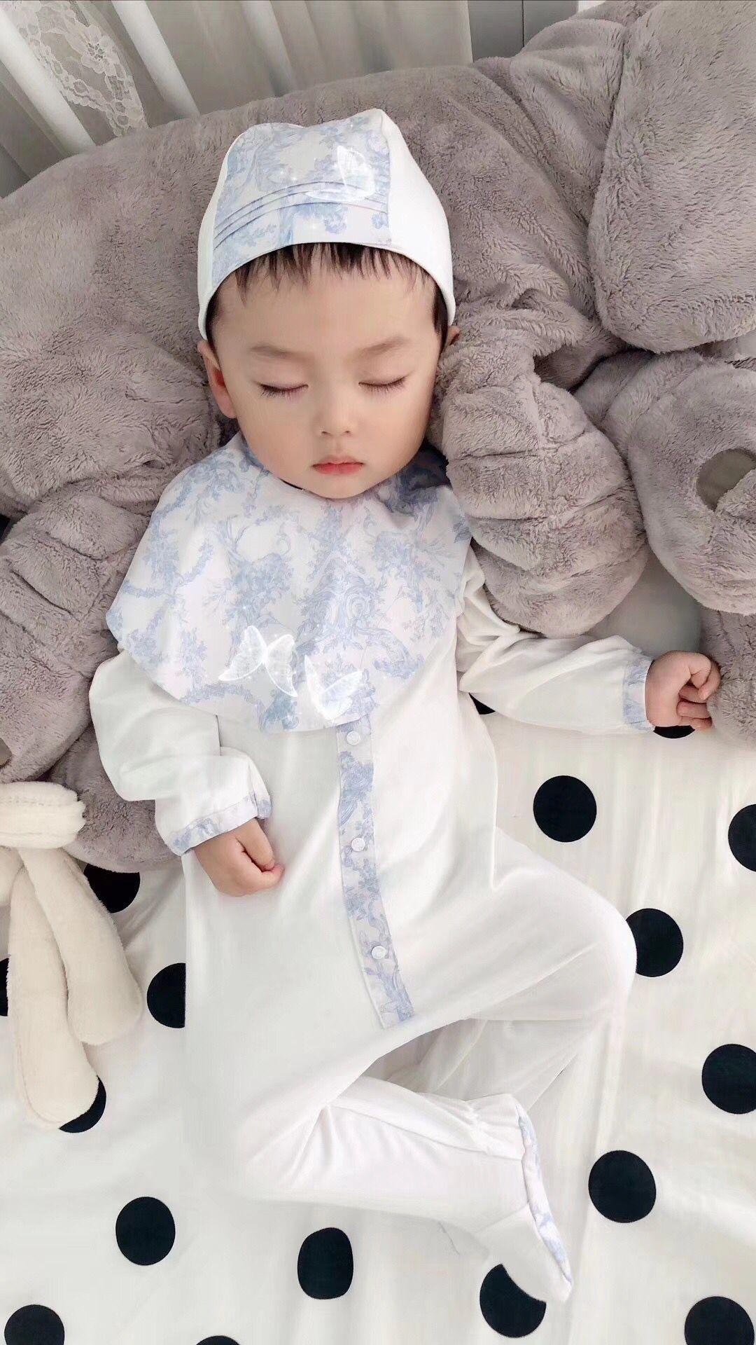2021 Yeni Bebek Romper Bebek Kız Şapka Için Set + Bib + Romper Cltohing Set Bebek Çiçek Tulumlar Yenidoğan Sonrası