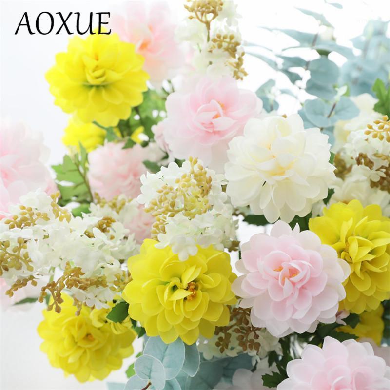 Flor de seda artificial Lotus de tres cabezas de tres cabezas Flores falsas de la sala de estar de la sala de estar de la decoración de la floración de la boda del arreglo de la fotografía1