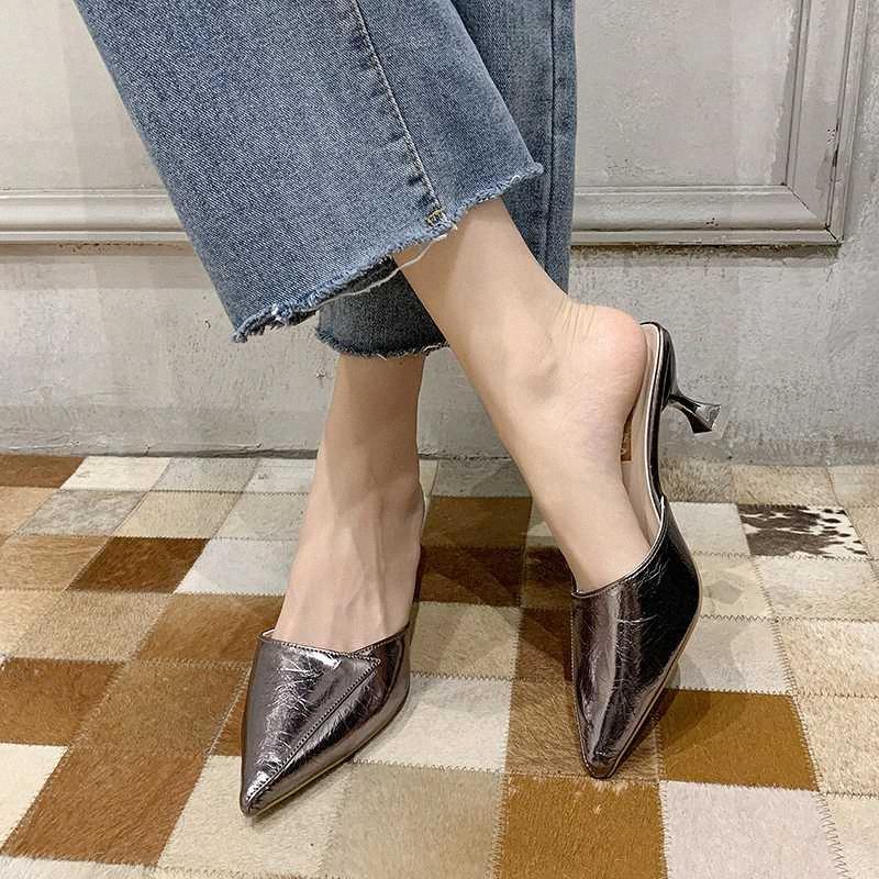 Parlak Pu Deri Katır Ayakkabı Kadınlar Sivri Burun Yüksek Topuk Terlik Yaz Moda Stiletto Kapalı Burun Terlik Kadınlar 2020 3cZn #