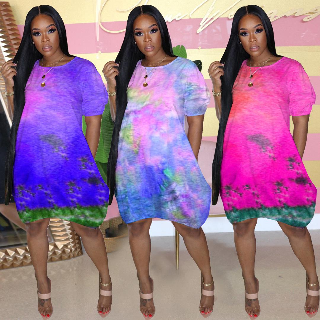 Kadın Batik Tasarımcı Elbise Yaz Kısa Kollu Mürettebat Boyun Çok Renkli Elbise Moda Gevşek Kadın Giysileri