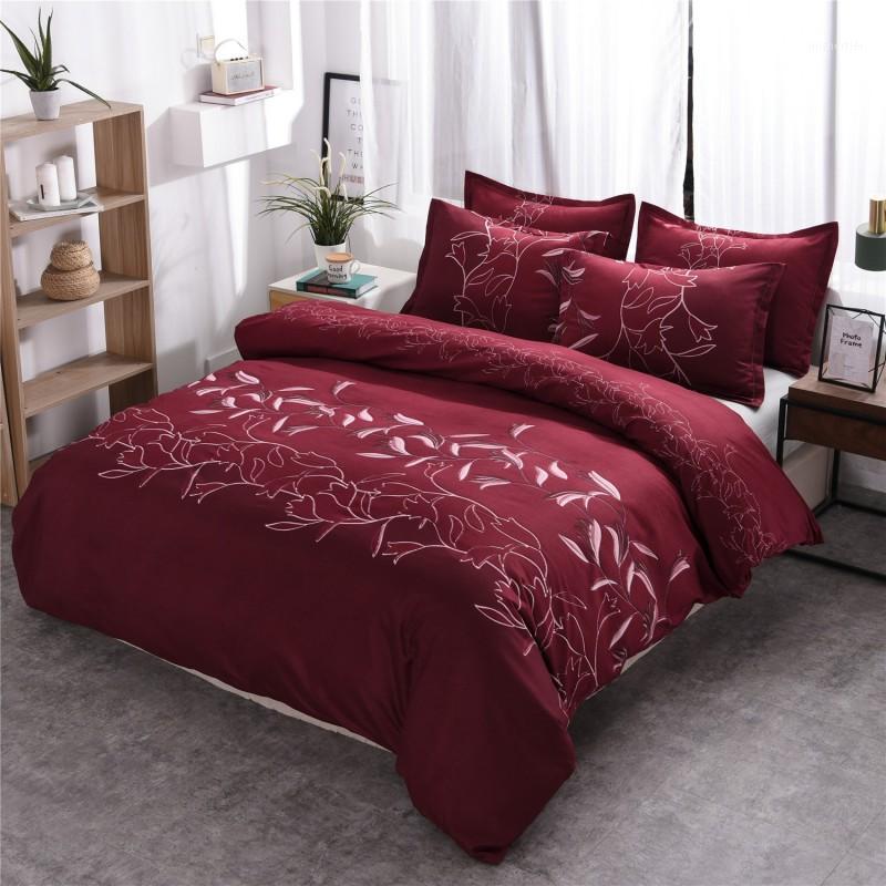 Juego de ropa de cama barata Solicías de cubierta de edredón floral conjuntos de almohadas Cubiertas de edredón Twin Full Reina King Tamaño Borgoña Floral1