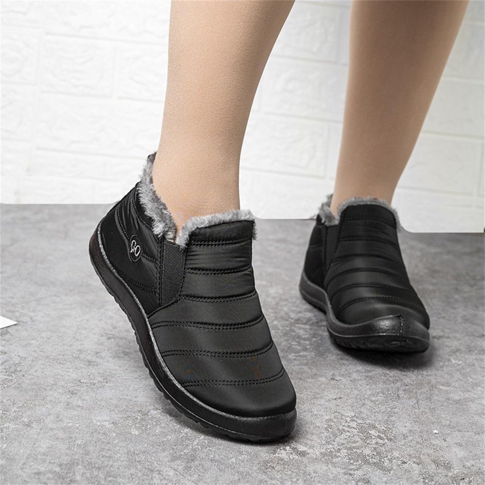 ماء الثلج أحذية نسائية أحذية 2020 الشتاء الساخن بيع الدافئة مع المخملية مريح شقة متعطل 35-47 الحجم أنثى التمهيد الكاحل
