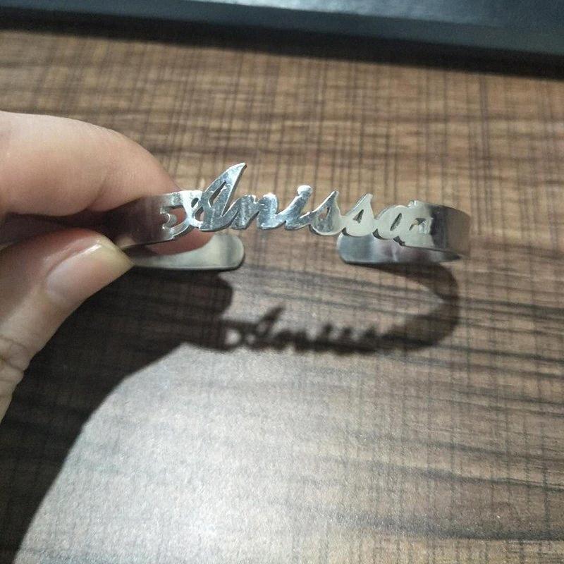 Custom Name Stulpe-Armband-Armbänder für Frauen-Mann Kinder Bedingungslose Armbänder Edelstahl-Liebes-geöffnetes Armband Schmuck ssYG #