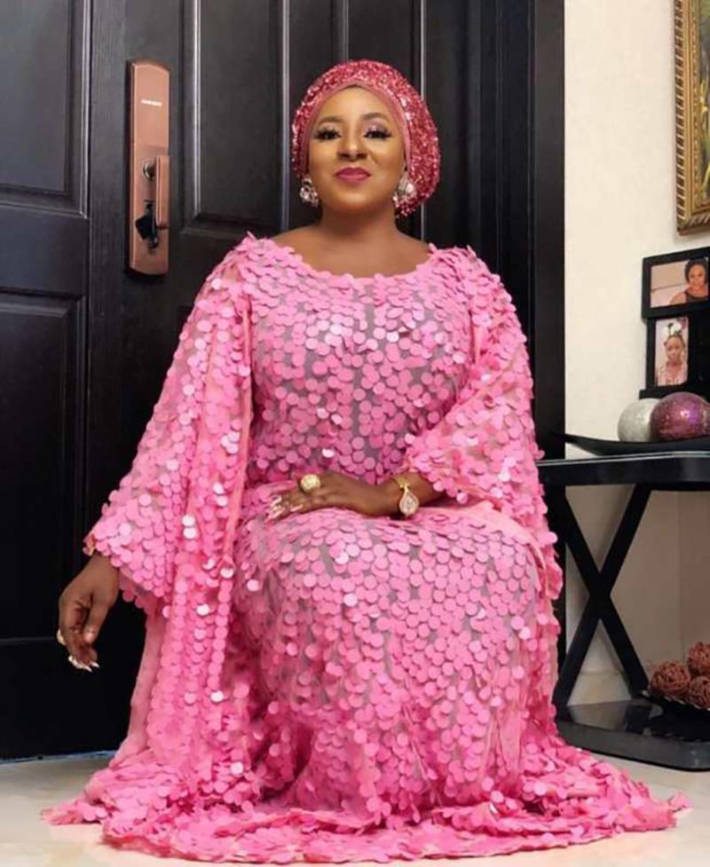 Afrique Dashiki Longueur 150 cm buste 140cm nouveau style extensible Mode femmes tissu net sequinssuper robe lâche longue taille