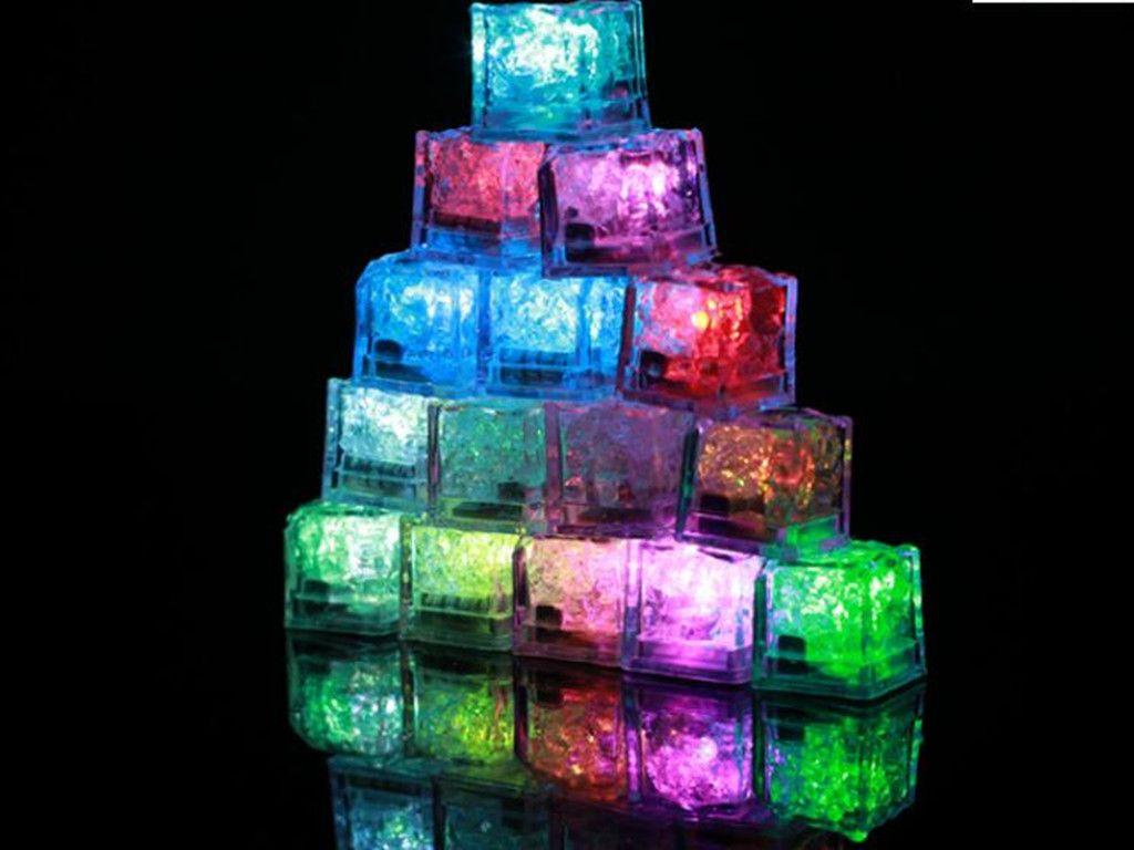 Navidad Romántico LED Cubos de hielo Fast Lento Flashing 7 Color Cambio automático Cambio de Cristal Cubo Fiesta de Boda Agua Agua Iluminada