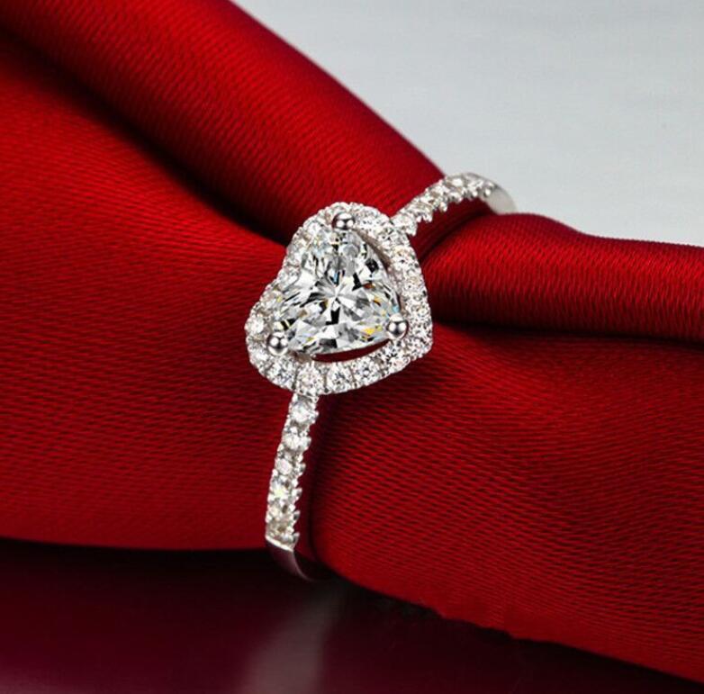 Kadınlar S925 Gümüş Düğün Nişan Gelin Takı Taşlı Taş Şık Yüzük Aksesuar hediye Rhinestone Heart Yüzük