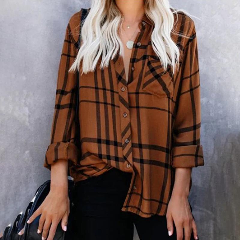 T-shirt Femme Plaid Turn Collier manches longues Femme Blouses 2021 Spring Été Vintage Vintage Mesdames Shirts Plus Taille 5XL