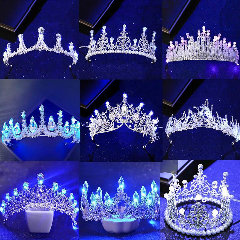 Nuove Vari luminosi Diademi Corone per Birde Blue Light LED Corona per la festa delle donne copricapo da sposa capelli ornamenti di cristallo diadema C18112001
