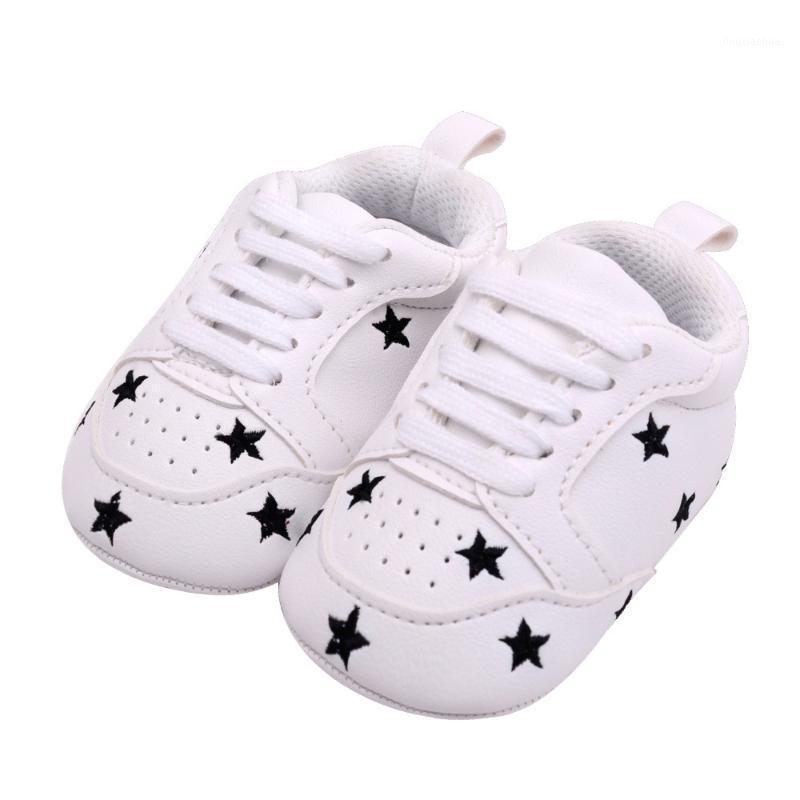 6 colores zapatos para bebés recién nacidos niñas chicas corazón estrella patrón primeros caminantes niños niños cordones encaje las zapatillas de deporte PU 0-18 meses1
