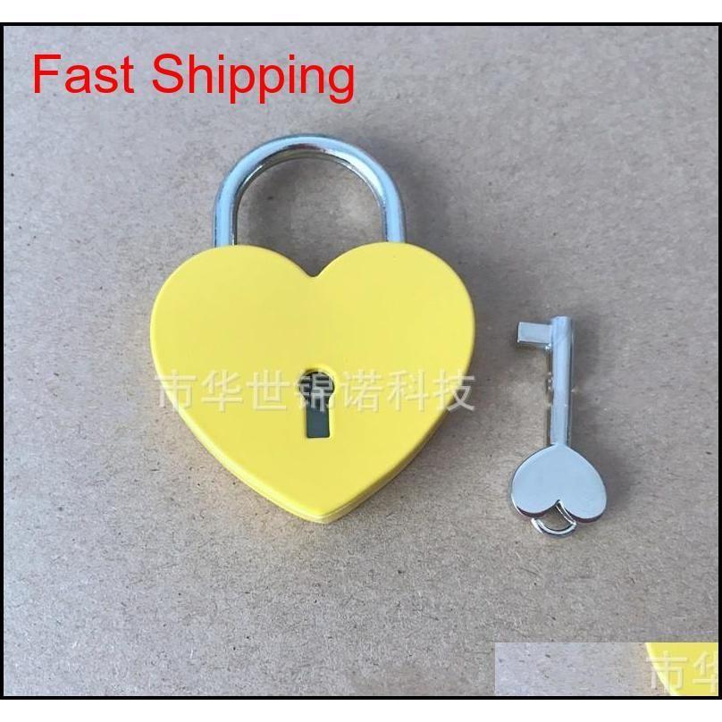شكل قلب قفل متحدة المركز المعادن mulitcolor مفتاح قفل جيم مجموعة أدوات حزمة الباب أقفال buil qylclw sports2010