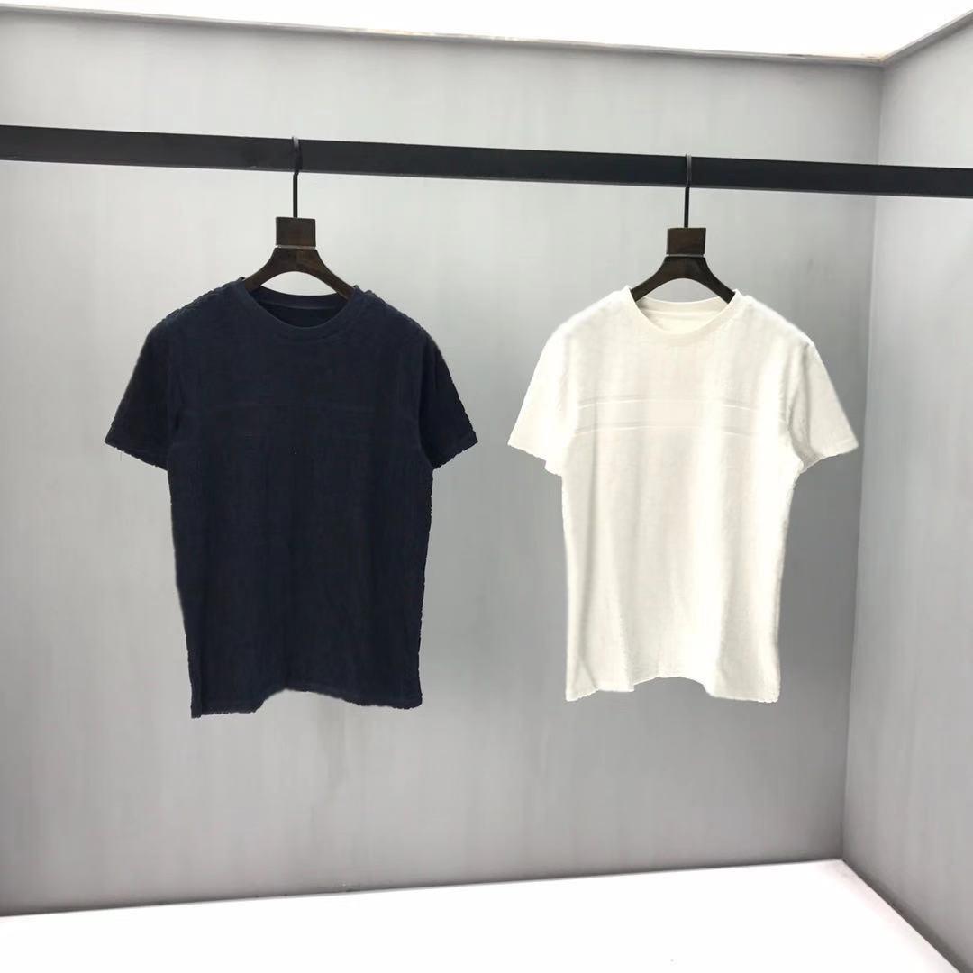 2020SS Primavera e estate Nuova stampa di cotone di alta qualità a manica corta a manica corta Collo t-shirt T-shirt Dimensioni: M-L-XL-XXL-XXXL Colore: Black White Q62