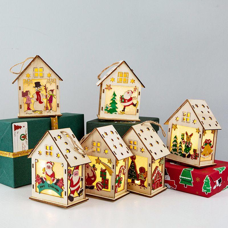 Festival Toptan Noel Süsleri Ahşap Ev Aydınlatılmış Renk Kabin Dekorasyon Noel Yaratıcı Hediyeler Malzemeleri