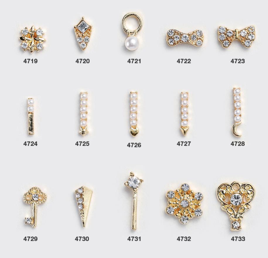 I diamanti di arte della decorazione lucida di perle pendenti in lega di cristallo 5pcs di lusso Nail zircone 3D manicure Accessori Design