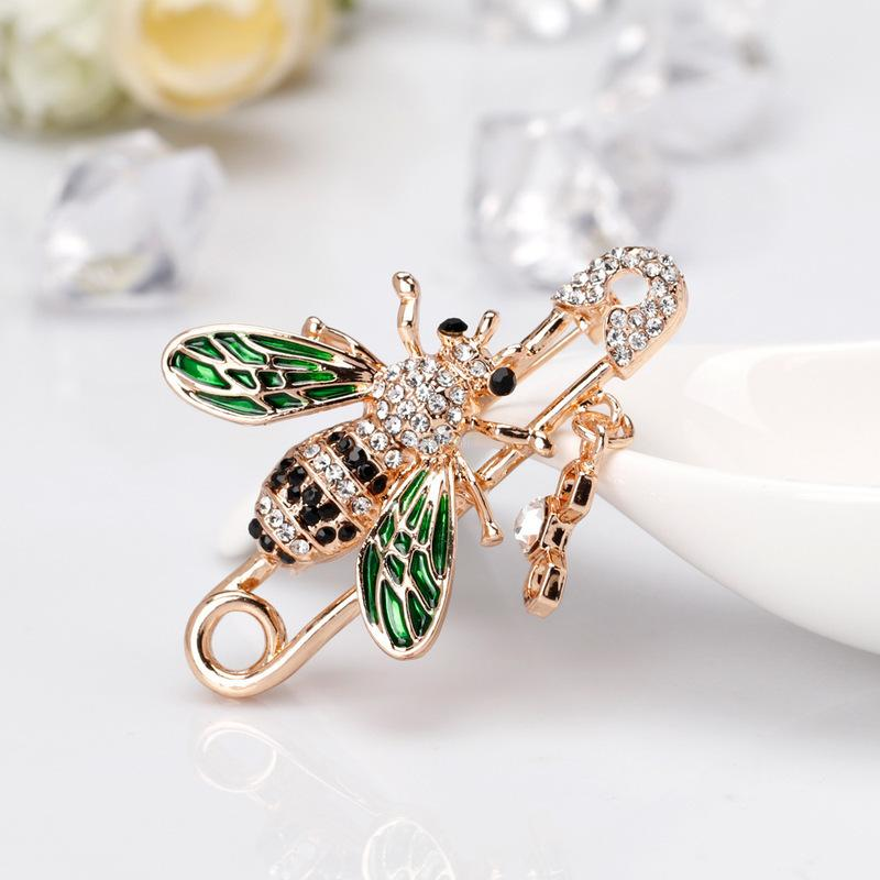 Crystal bee brooch gold honeybee safety pin corsage scarf buckle dress suit top brooches women men fashion jewelry will and sandy gift
