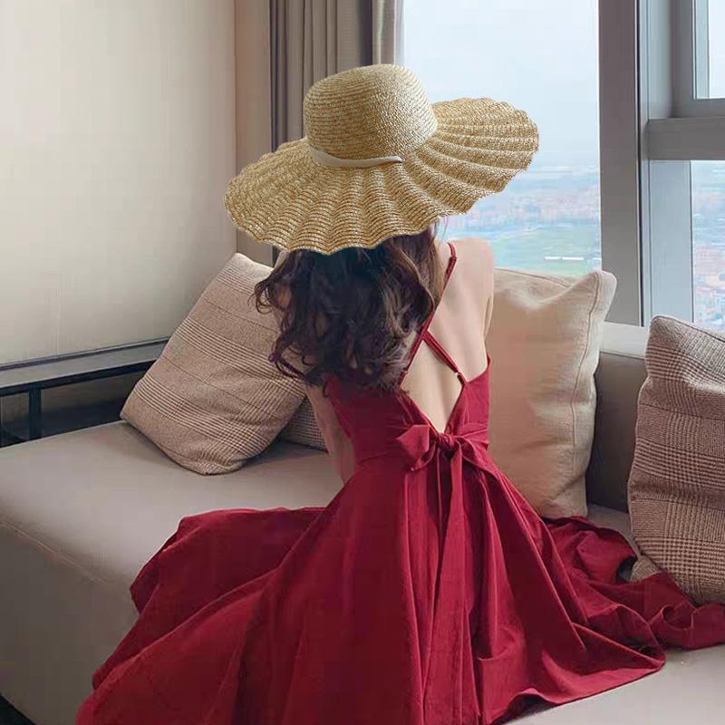 2021 Новая большая волна Breim пшеницы соломенные шляпы женщин на шнуровке на шнуровке на шнуровке пляжа солнце шляпы длинные ленты натуральная соломенная шляпа C0123