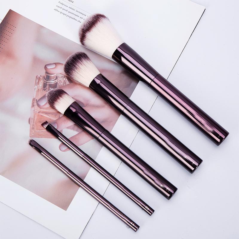 Göz farı makyaj yukarı Marka Kabuki Pudra fırçası Vakfı allık fırçası Çekilebilir kızarma yapmak