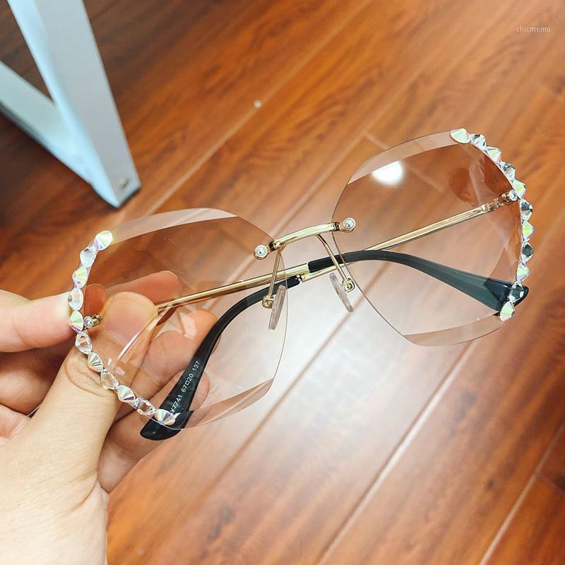 2020 Retro Moda Boy Çerçevesiz Kare Güneş Gözlüğü Kadın Ünlü Tasarımcı Elmas Çerçeve Güneş Gözlükleri Kadın1
