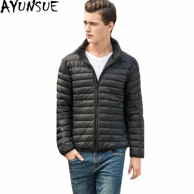 Ayunsue Plus Размер Белая Утка Куртка Мужчины Parkas Hombre Invierno 2020 Световое покрытие Мужские Ударные Куртки Черные Зимние Пальто WXF166