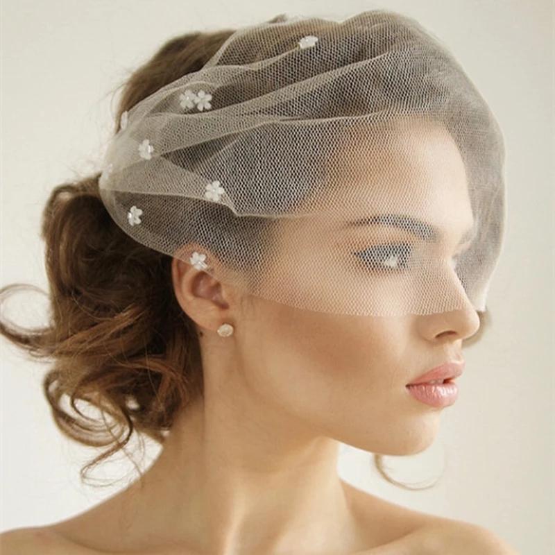 2021 Pequeña flor romántica Velas de novia Pelo Blusher Blusher Brides Velo Short Para Mujer Accesorios de Pelo Nupcial Cubre la cara Al7608