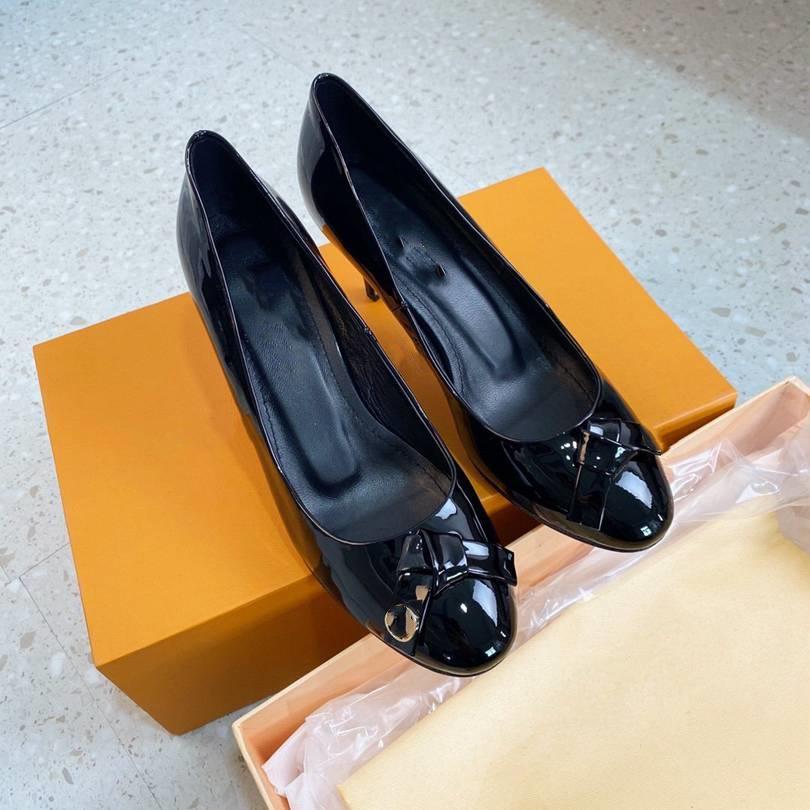 Louis vuitton O novo 2021 vestido Shoes Party Office Universal High Saltos Moda Versátil Senhoras Sapatos de Designer de Luxo GRS5