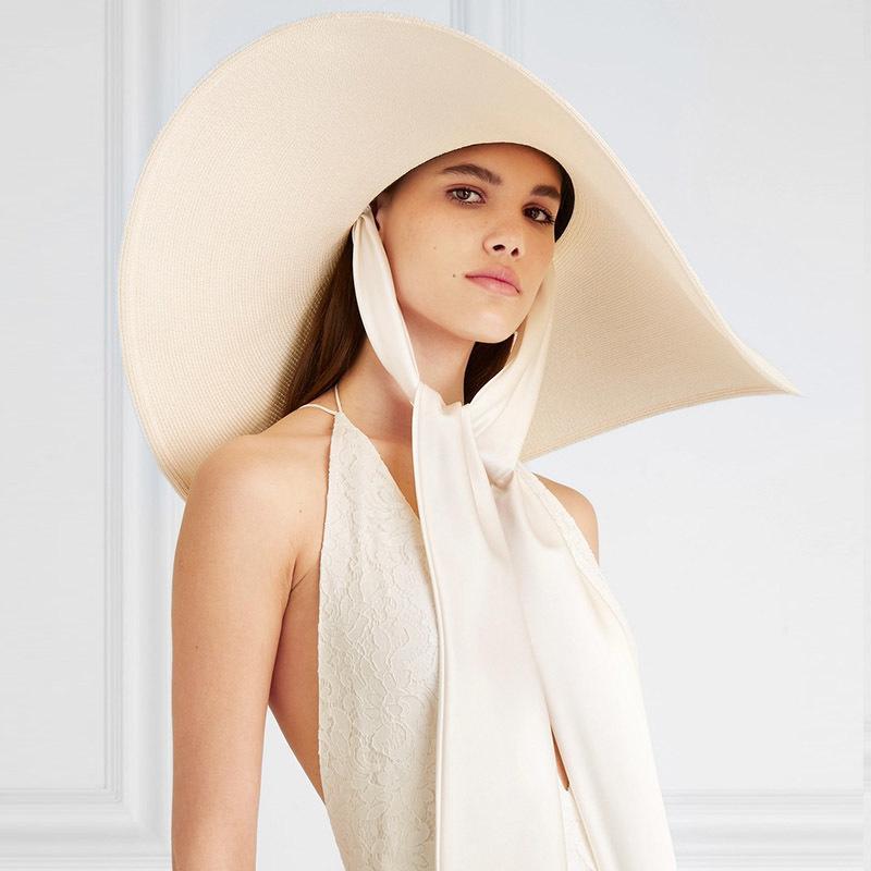 Mulheres Branco 25 centímetros Tie fita de seda DESPROPORCIONADOS Sun Macio Grande Brim Floppy Gigante Praia Verão Straw Kuntucky Derby Hat Cap 201015
