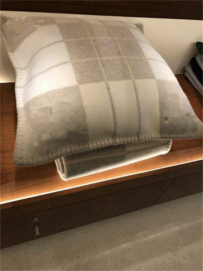 Designer 2021 New Home Sofa Cushion Back Zipper Pillowcase Decoration Fashion Pillowcase Comfortable Soft Stylish Pillowcase (No Pillow) dzj