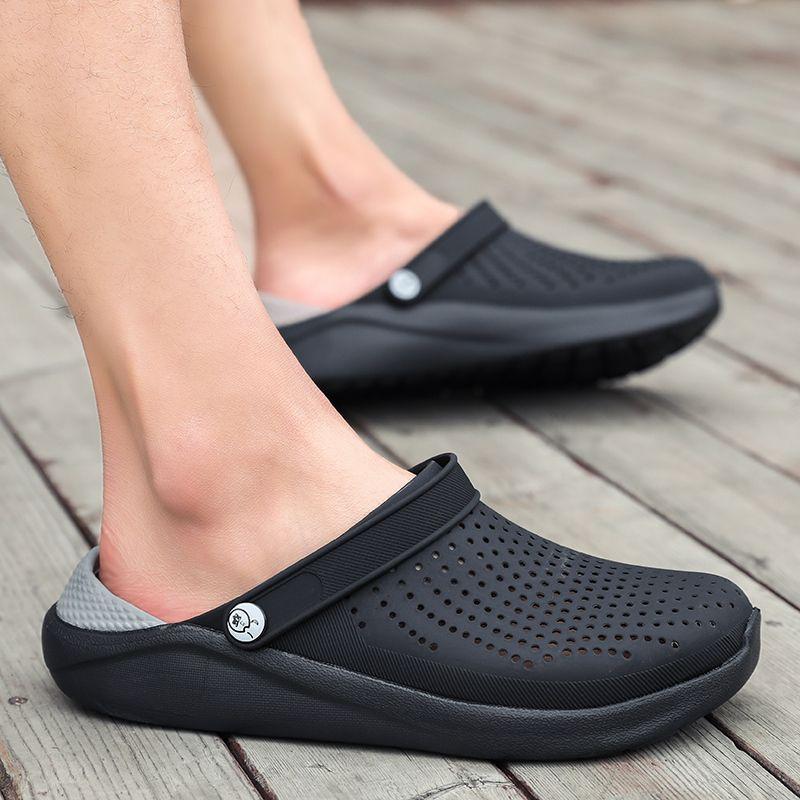 2020 New Arrival Croc Clogs Summer Shoes Unisex Summer Beach Sandals Men Crock Flat Hole Shoes Mans Crocks Crocse sandalias Y200702