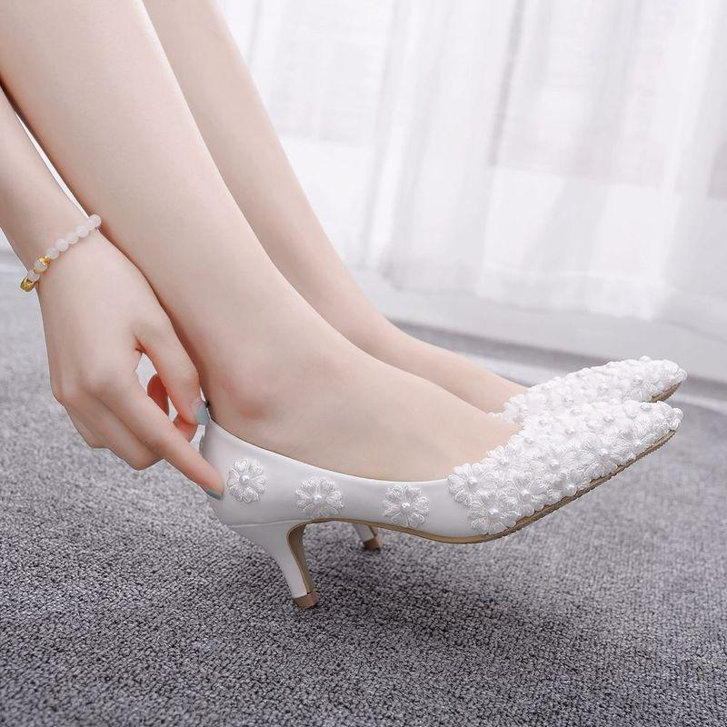 Sapatos de vestido Moda Mulheres Bombas Pu Lace Pointed Toe Thin Heels 5cm High Wedding Party1