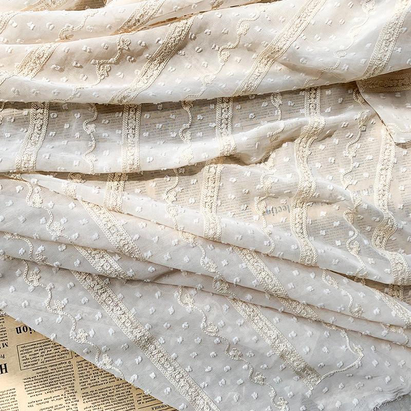 Beige pâle en mousseline de soie Dot Jacquard Cut Tulle Tissu pour la Robe chemise par le mètre, blanc, noir, rose, rouge et bleu