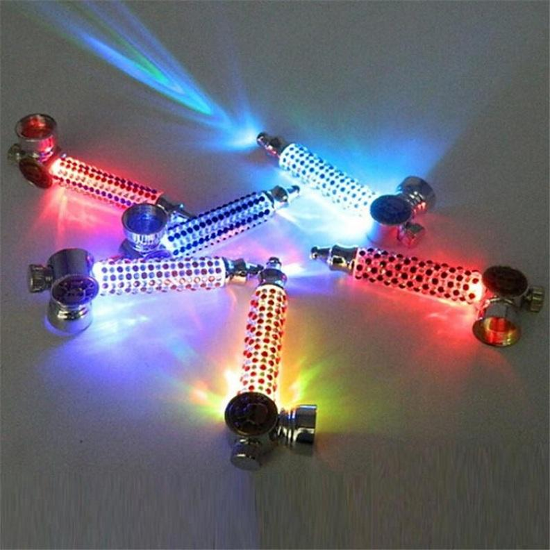 Tuyau de métal diamant lumineux avec rougeoyant de lumières sombres colorées de fumer de fumer de bong dab plate plate-forme DR Herb Dabber Tobacco Briquet